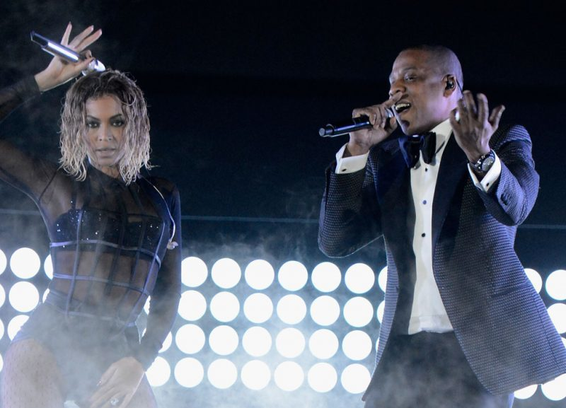 "Beyonce Opens The Grammys by Performing ""Drunk in Love"" with Jay Z"