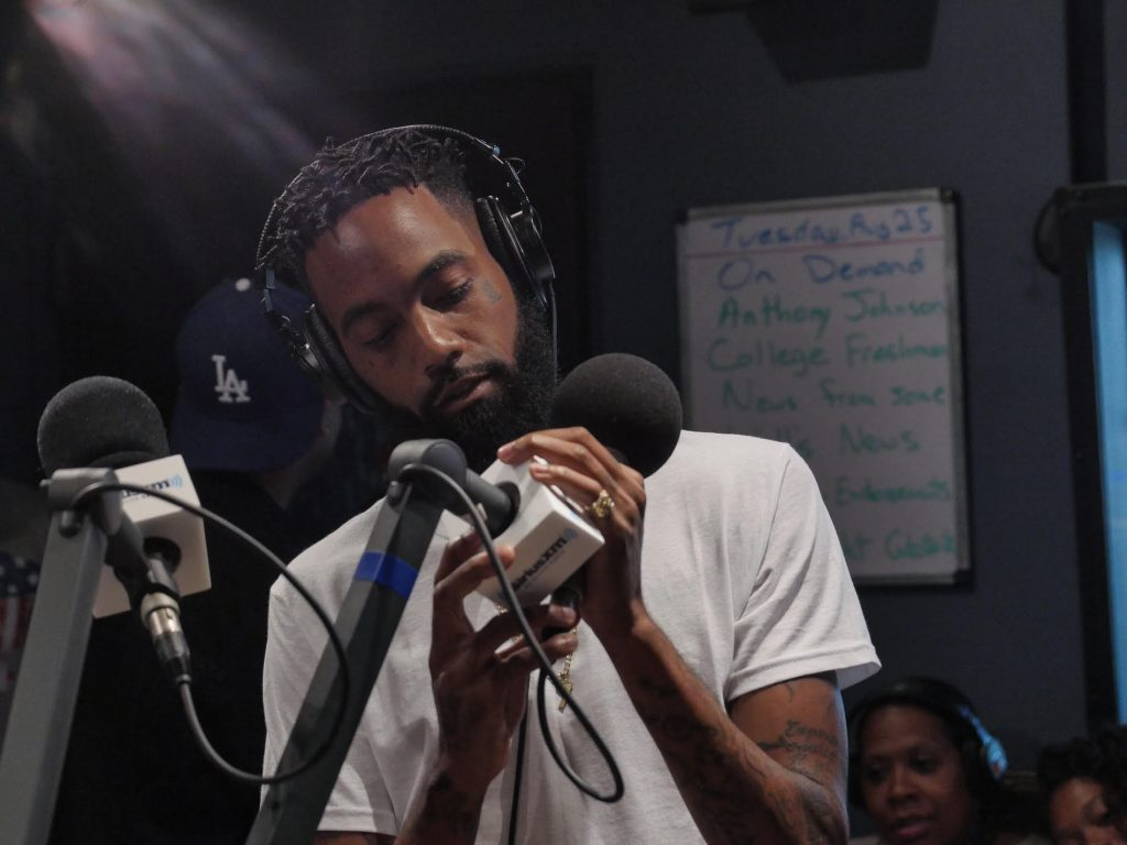 DUBB kicks a DOPE freestyle + talks about being his own manager & being broke
