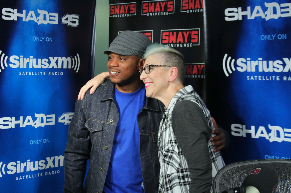 "Lisa Lampanelli on Being Celibate for 4-Years, Calls Out Confident Plus Size Women + ""Stuffed"" Play"